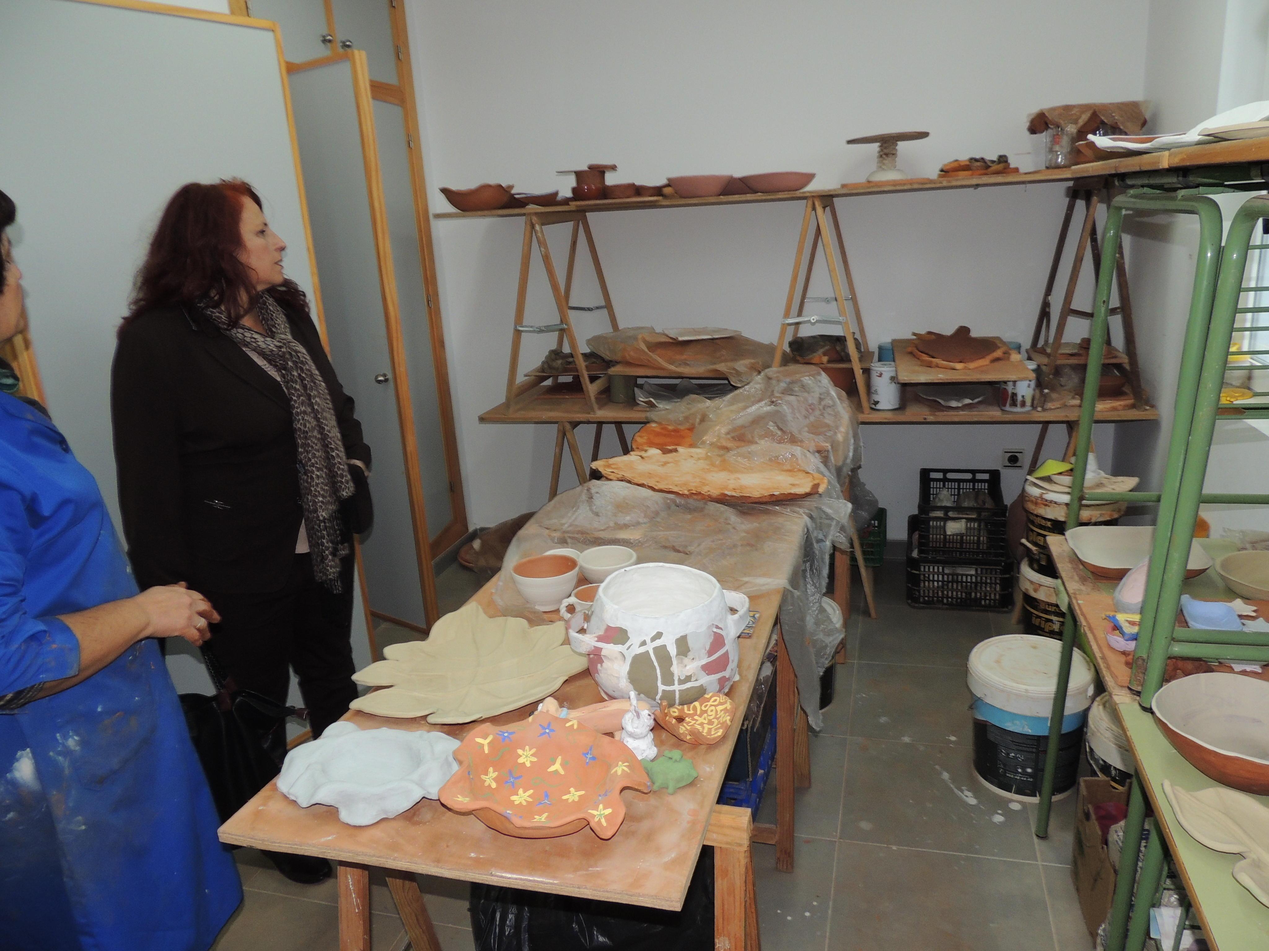 S nchez visita el taller de cer mica de la universidad - Ceramicas sanchez ...