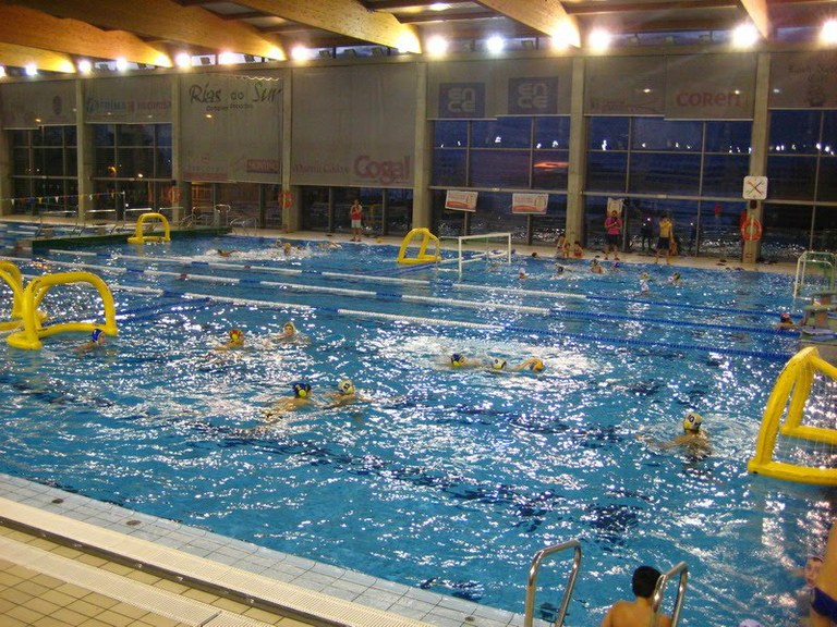 San roque echa el cierre a la liga provincial de waterpolo for Piscina municipal san roque