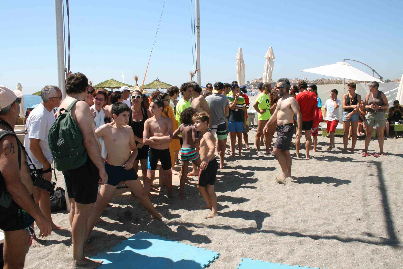 Ociosur vuelve a acertar con la fiesta de verano en for Piscina municipal san roque